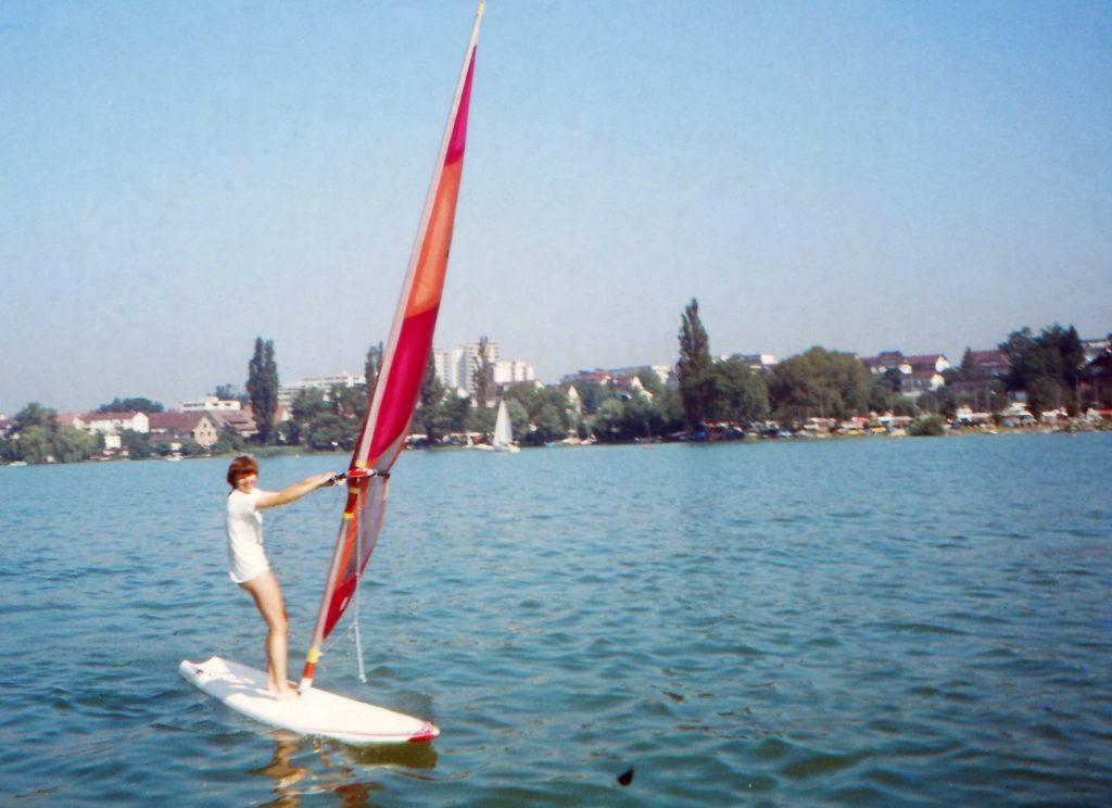 1981: mit 16 Jahren auf dem Surfbrett